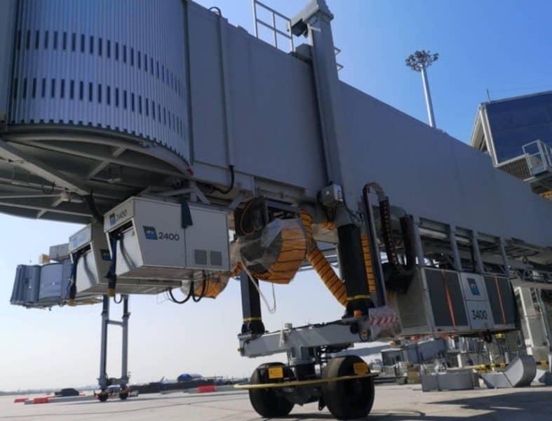 Bangkok Suvarnabhumi airport,Thailand. ITW GSE 3400 PCA.