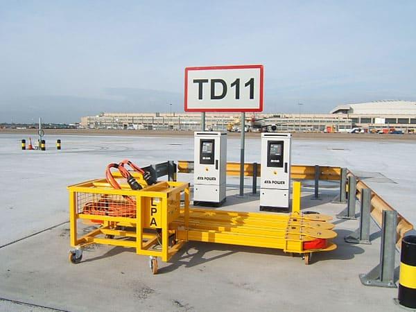 Heathrow Airport ITW GSE GPU AXA2300