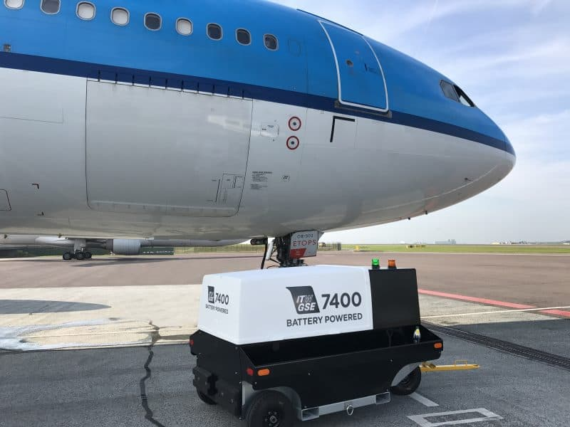 ITW GSE 7400 Powering 777 in Amsterdam Schiphol Airport