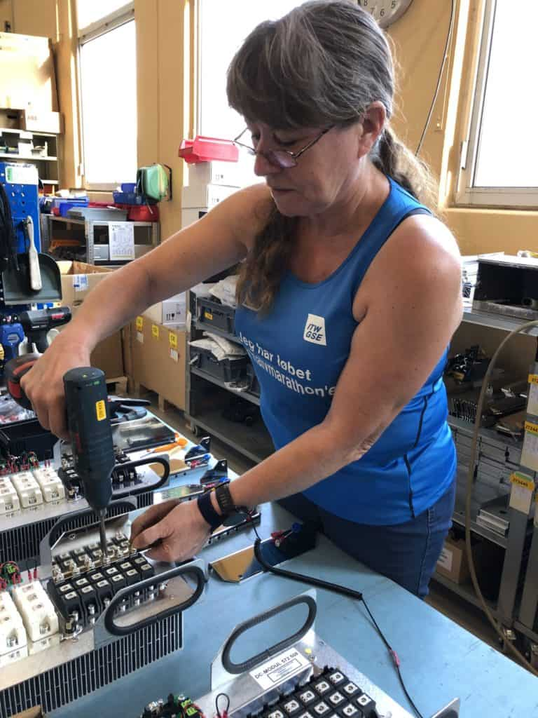 Marianne Rasmussen mounts modules for PCAs Half Marathon